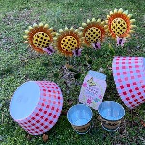 Picnic or outdoor BBQ decor